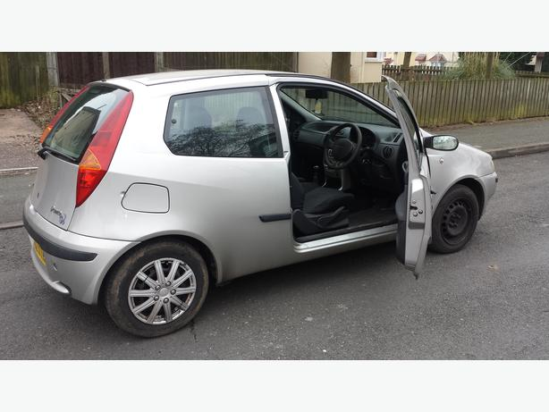 fiat punto 2002 1 2 l mot wolverhampton dudley. Black Bedroom Furniture Sets. Home Design Ideas