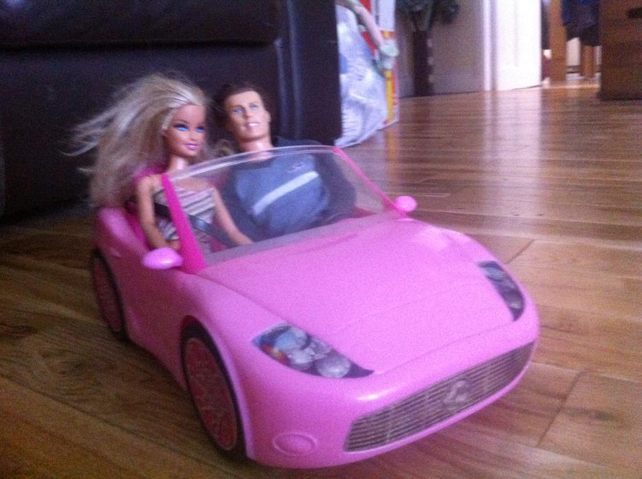 barbie glam auto convertible pink car halesowen dudley. Black Bedroom Furniture Sets. Home Design Ideas
