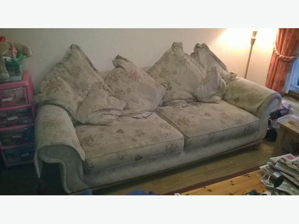 Settees for sale oldbury dudley for Settees for sale