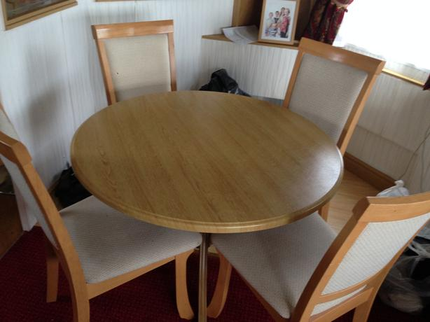 circle top dining table 4 high back chairs and matching coffee table stourbridge dudley. Black Bedroom Furniture Sets. Home Design Ideas