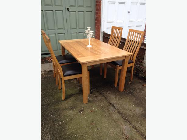 Oak Dining Room Table And 4 Chairs Pelsall, Walsall