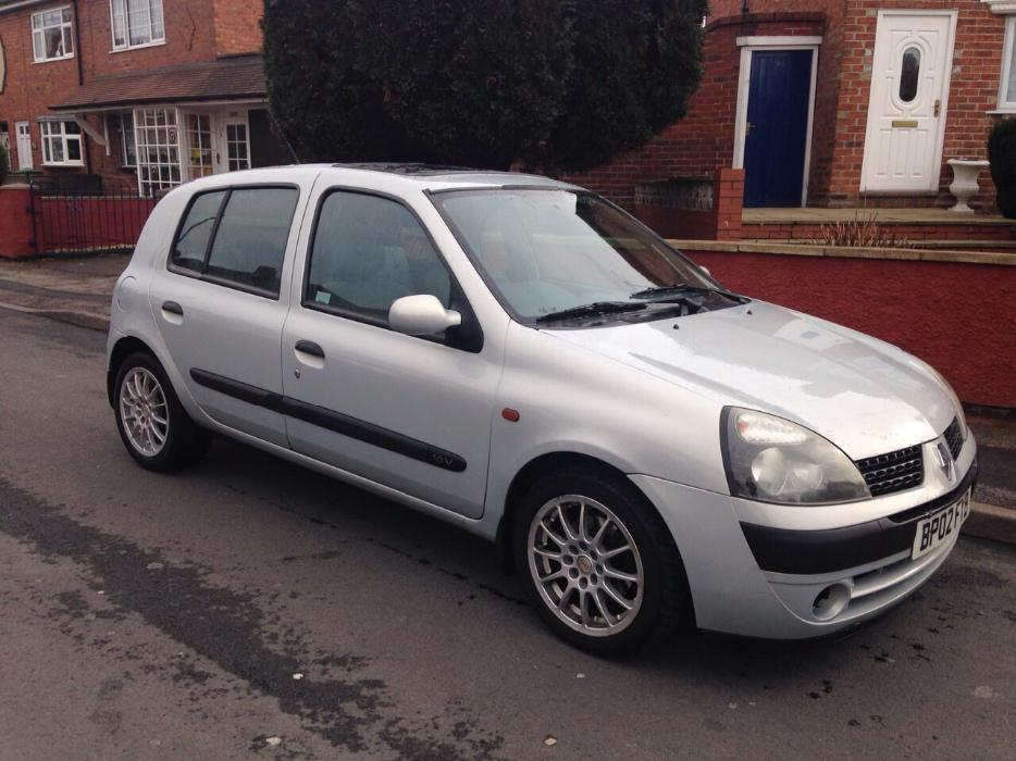 renault clio 2002 silver 1 2 walsall sandwell. Black Bedroom Furniture Sets. Home Design Ideas