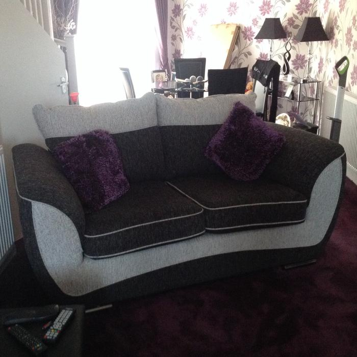Two Seater Settee And Foot Stool Wednesbury, Wolverhampton