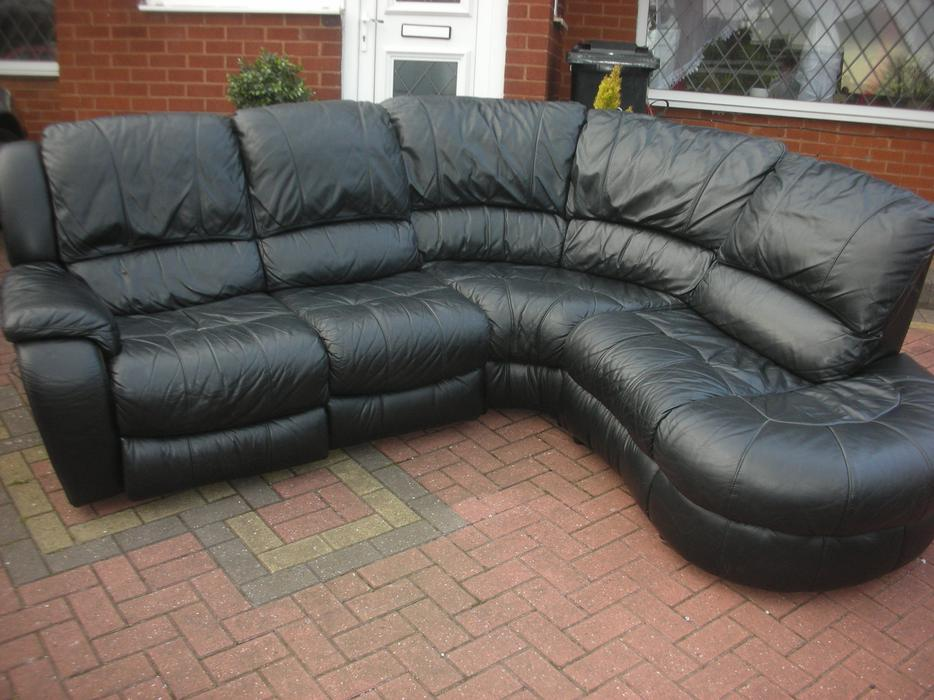 BLACK LEATHER CORNER ELECTRIC RECLINER SOFA FOR SALE