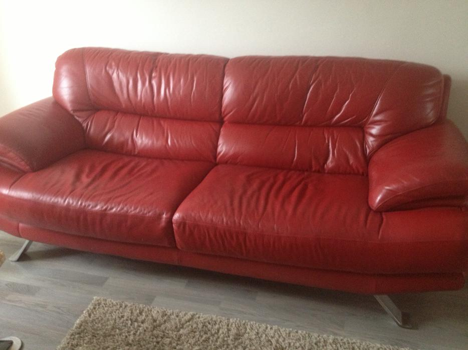 Real Leather RED Settee Sofa Good Condition. Penn. Penn
