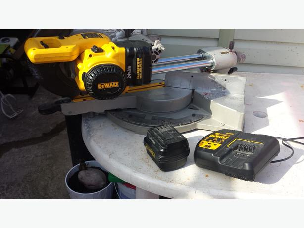 dewalt compound mitre saw 24v battery dw017 wednesbury wolverhampton