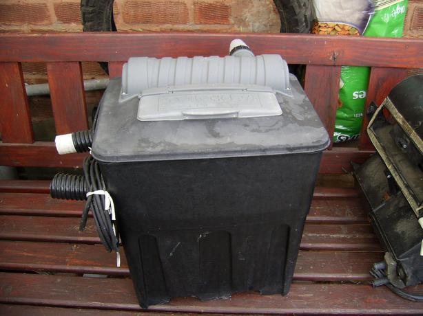 Hoselok pond filter box uv light brownhills wolverhampton for Small pond filter box