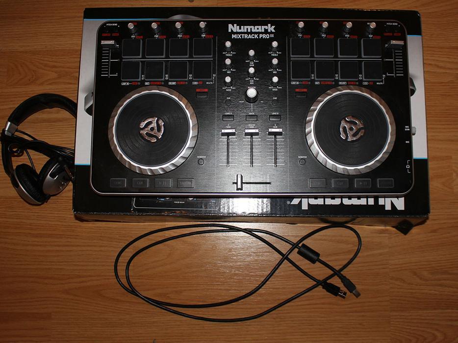 numark mixtrack pro ii usb dj controller with trigger pads o n o wolverhampton dudley. Black Bedroom Furniture Sets. Home Design Ideas