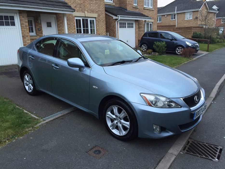 lexus is 220d 2007 showroom condition private plate included tipton dudley. Black Bedroom Furniture Sets. Home Design Ideas