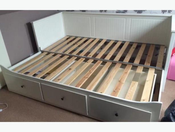 Ikea hemnes day bed tettenhall wolverhampton for Ikea day bed double