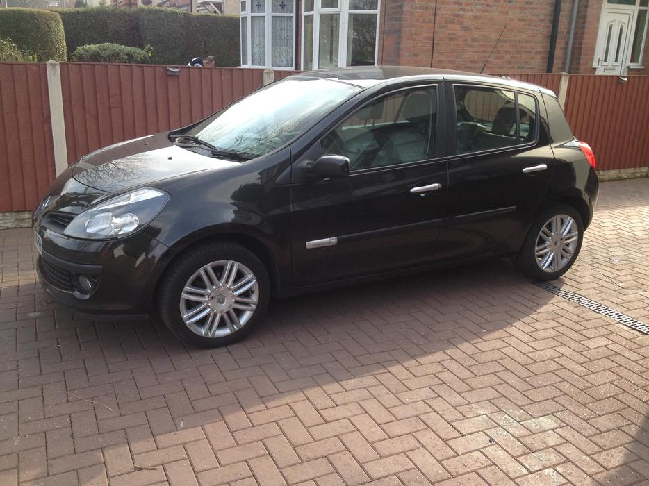 2006 renault clio 1 5 dci initiale 106bhp 5dr wolverhampton dudley. Black Bedroom Furniture Sets. Home Design Ideas