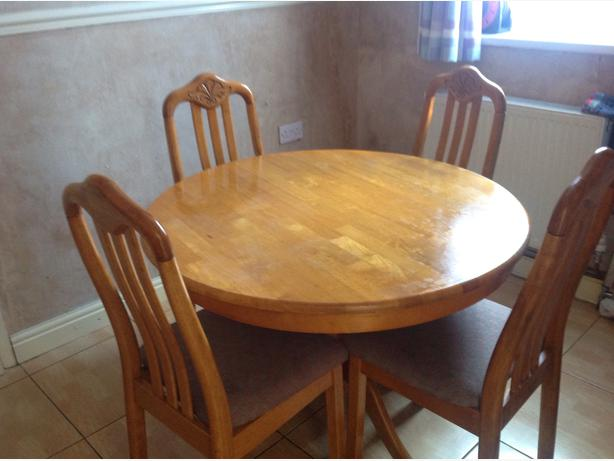 Round wood dining table 4 chairs dudley wolverhampton for Wood round dining table for 4