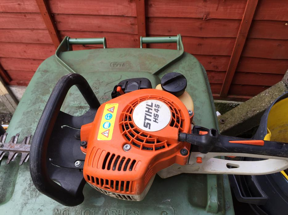 stihl hs 45 hedge cutters willenhall walsall. Black Bedroom Furniture Sets. Home Design Ideas