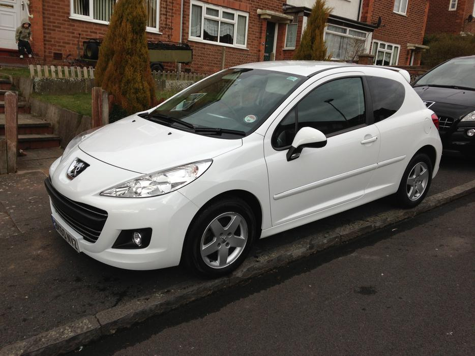 peugeot 207 white sport 1 4 vti not 208 307 2010 60 plate bilston wolverhampton. Black Bedroom Furniture Sets. Home Design Ideas