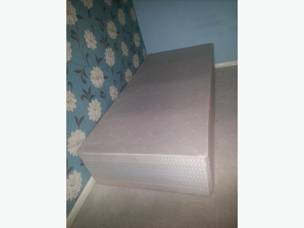 Free single bed base free kingswinford dudley for Single divan bed base with storage
