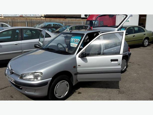 peugeot 106 automatic low mileage brownhills wolverhampton. Black Bedroom Furniture Sets. Home Design Ideas