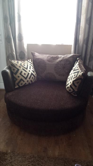Dfs Chaise Sofa Cuddle Swivel Chair Wednesfield