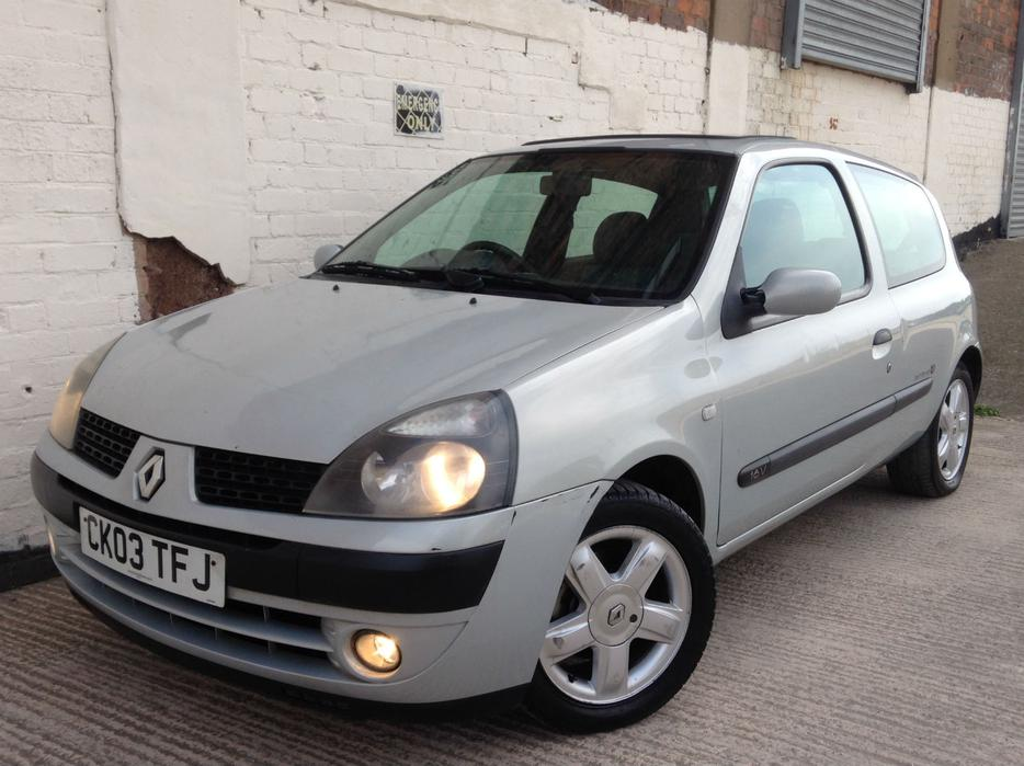 renault clio 2003 1 2 dynamique billabong low mileage top spec other wolverhampton. Black Bedroom Furniture Sets. Home Design Ideas
