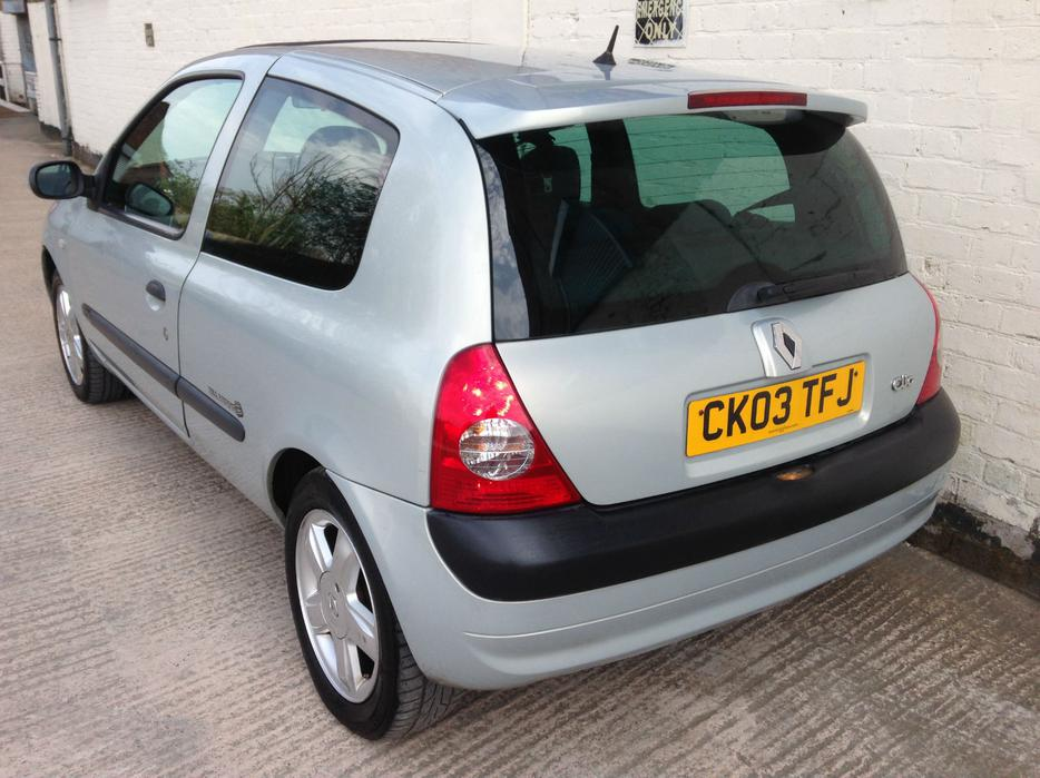 renault clio 2003 1 2 dynamique billabong low mileage top spec other dudley. Black Bedroom Furniture Sets. Home Design Ideas