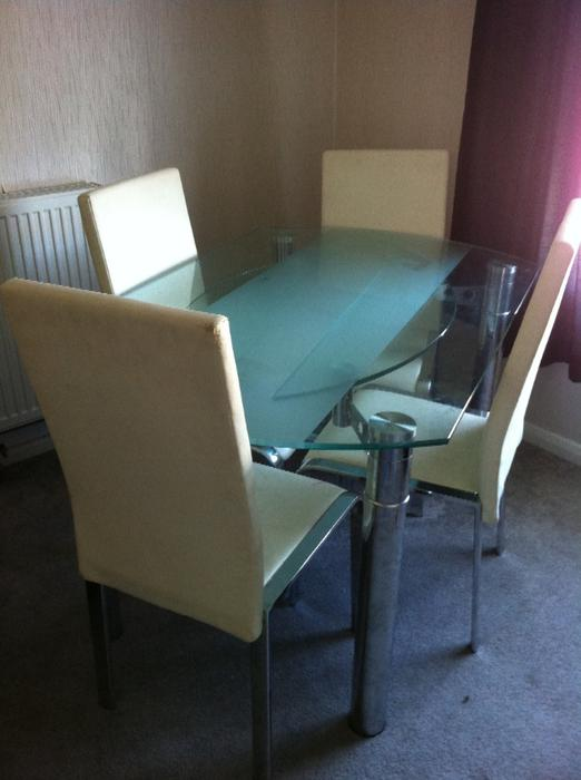 glass extendable dining table and four chairs Oldbury Dudley : 104173194934 from useddudley.co.uk size 522 x 700 jpeg 35kB