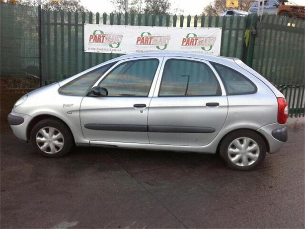 citroen xsara picasso 6months mot 2000 wednesbury dudley. Black Bedroom Furniture Sets. Home Design Ideas