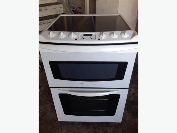  Log In needed £140 · ELECTROLUX PREMIER ELECTRIC COOKER 60 cm