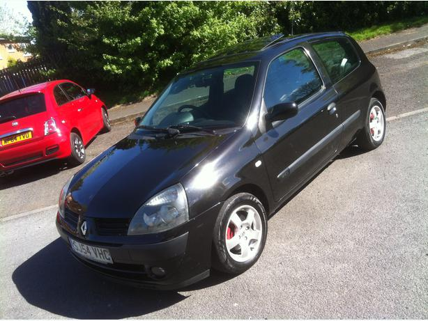 2004 54 renault clio 1 5 dci 30 year tax smethwick wolverhampton. Black Bedroom Furniture Sets. Home Design Ideas