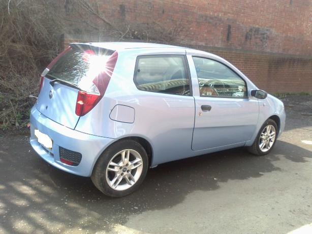 fiat punto 1 2 active sport 8v 2004 brierley hill dudley. Black Bedroom Furniture Sets. Home Design Ideas