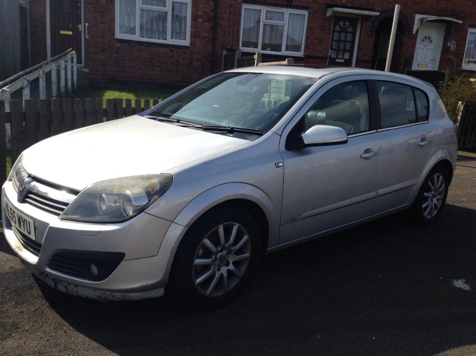 vauxhall astra elite spares or repairs needs turbo still runs and drives bloxwich sandwell. Black Bedroom Furniture Sets. Home Design Ideas