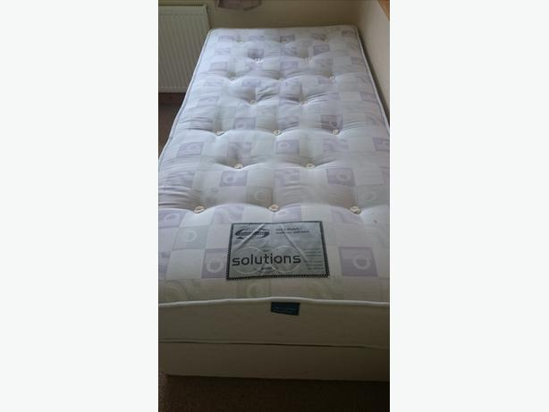 Single Divan Iwith Simmons Pocket Sprung Mattress Outside Black Country Region Dudley