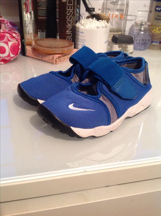 Shoes, nike sandals, nike, sandals, jd sports, nike shoes