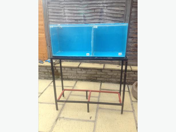 Fish tank on double metal stand brierley hill sandwell for Double fish tank