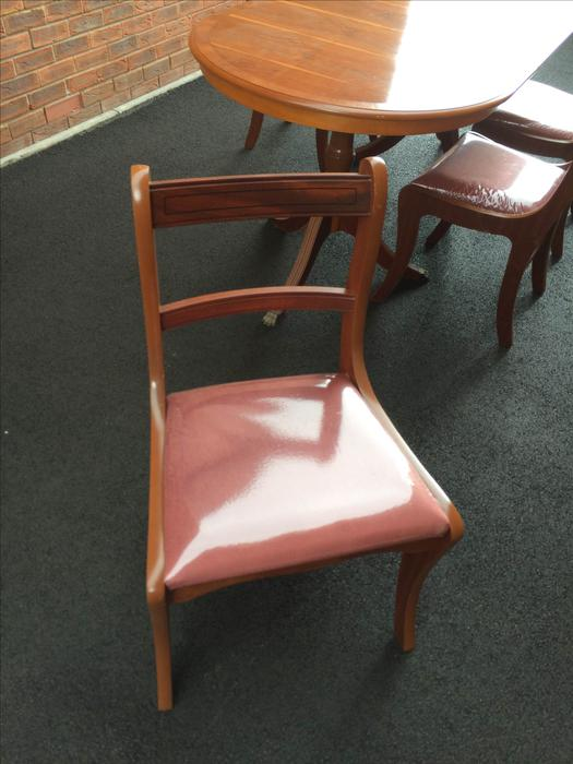 Yew Dining Table and Chairs Kingswinford Wolverhampton : 104325554934 from usedwolverhampton.co.uk size 525 x 700 jpeg 47kB