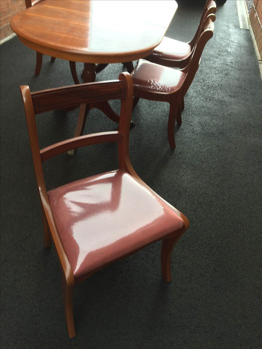 Yew Dining Table And Chairs Kingswinford Wolverhampton