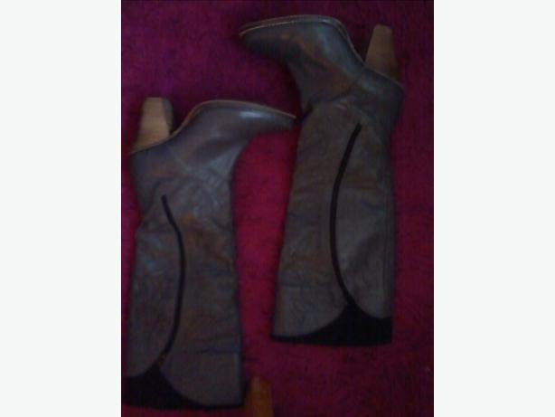 ladies size 4 knee-high boots