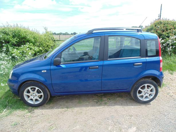 fiat panda 1 2 dynamic 2005 low mileage service history part ex welcome outside black country. Black Bedroom Furniture Sets. Home Design Ideas