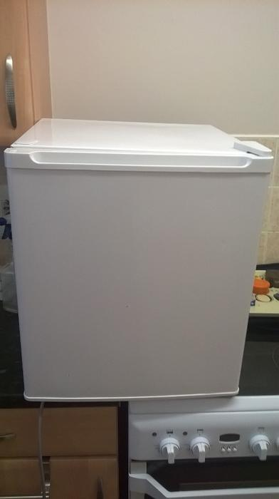 table top fridge wolverhampton wolverhampton. Black Bedroom Furniture Sets. Home Design Ideas