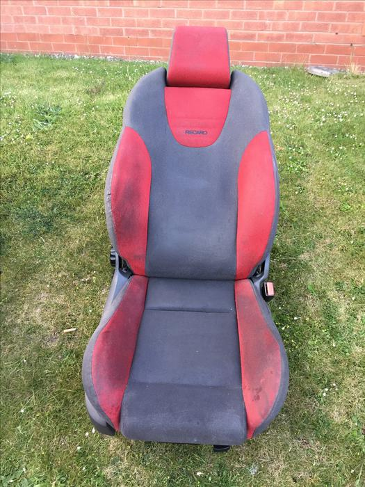 ford focus st recaro seats brierley hill dudley. Black Bedroom Furniture Sets. Home Design Ideas
