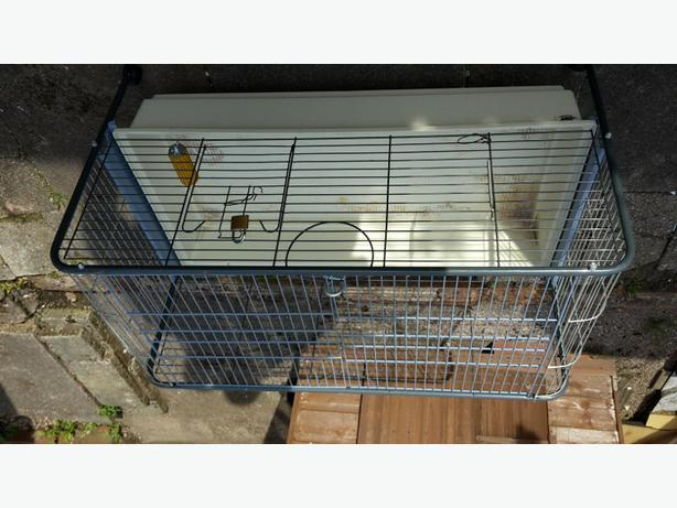 Rabbit cage walsall dudley for Extra large rabbit cage