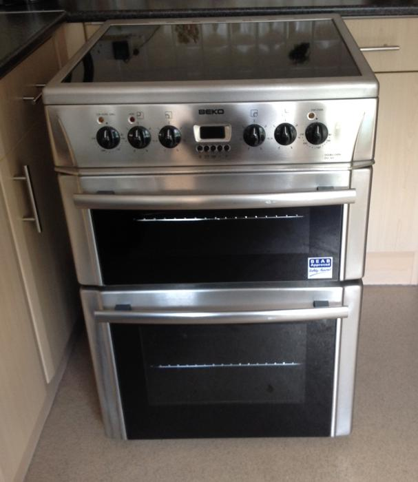 Electric Glass Hob Cooker With Clock
