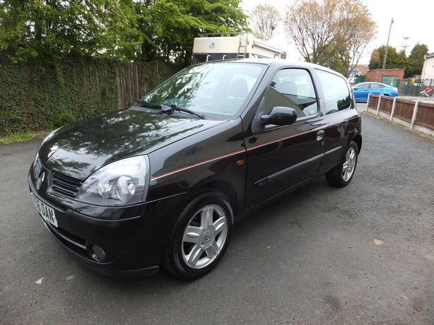 1 2 2006 renault clio campus sport quick sale wolverhampton dudley. Black Bedroom Furniture Sets. Home Design Ideas