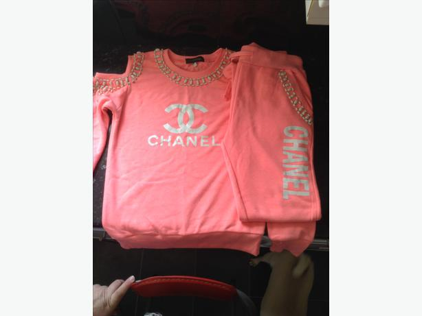 Chanel tracksuit Tipton 4a40407a4