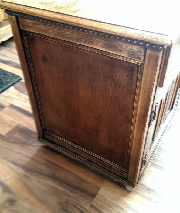 Priory Solid oak wide low sideboard  TV stand DUDLEY  -> Low Sideboard Tv Cabinet