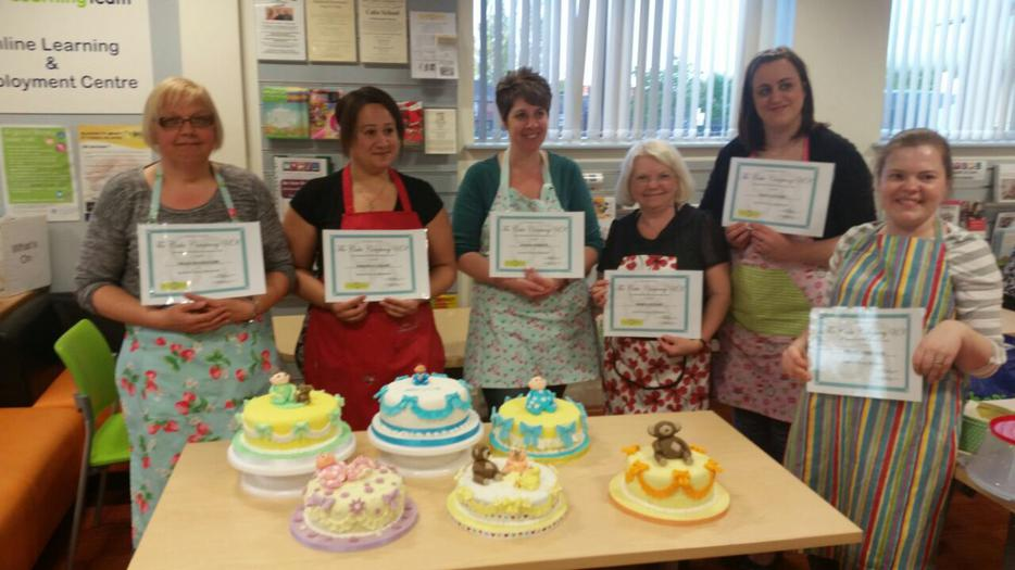 Cake Decoration School : Cake decorating school Halesowen, Dudley