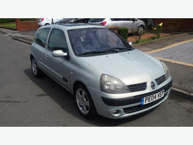 renault clio 1 5 turbo diesel 2004 plate walsall dudley. Black Bedroom Furniture Sets. Home Design Ideas