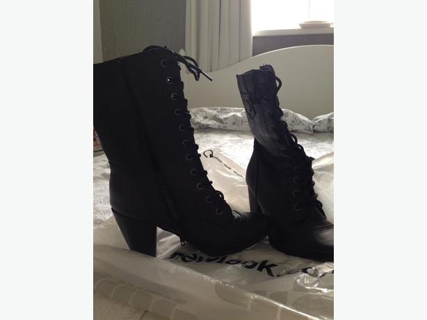 Ladies Black boots (New Look)