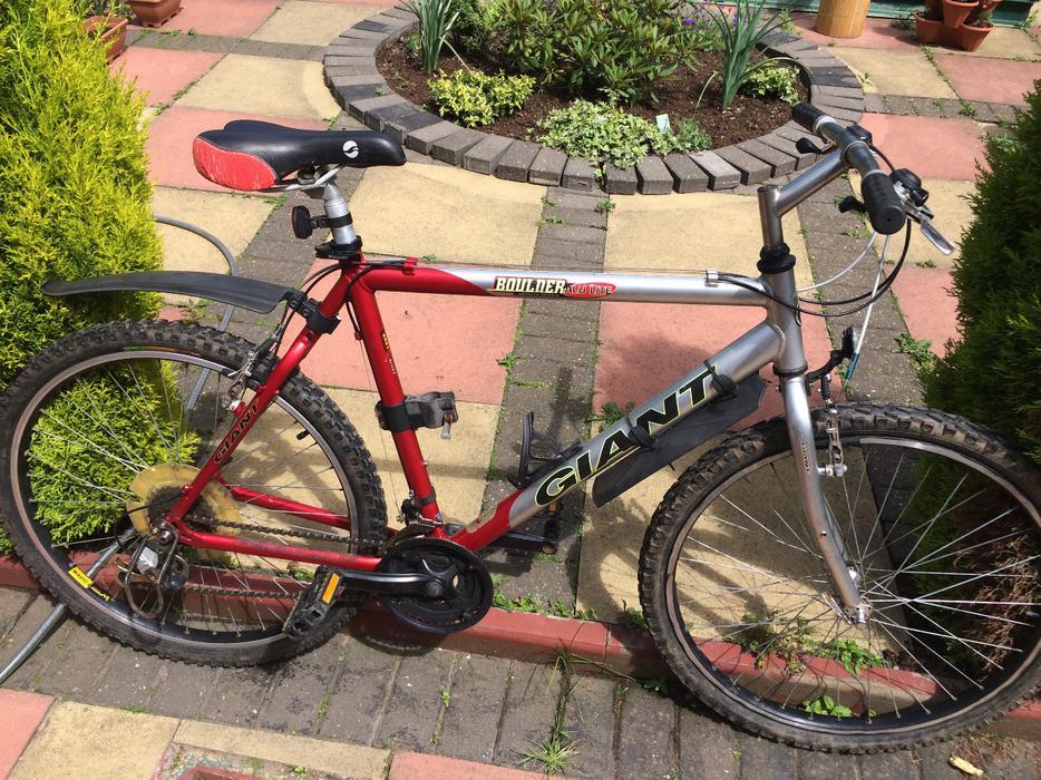 Giant Boulder Aluxx 6061 Aluminium Hybrid Bike 21gears