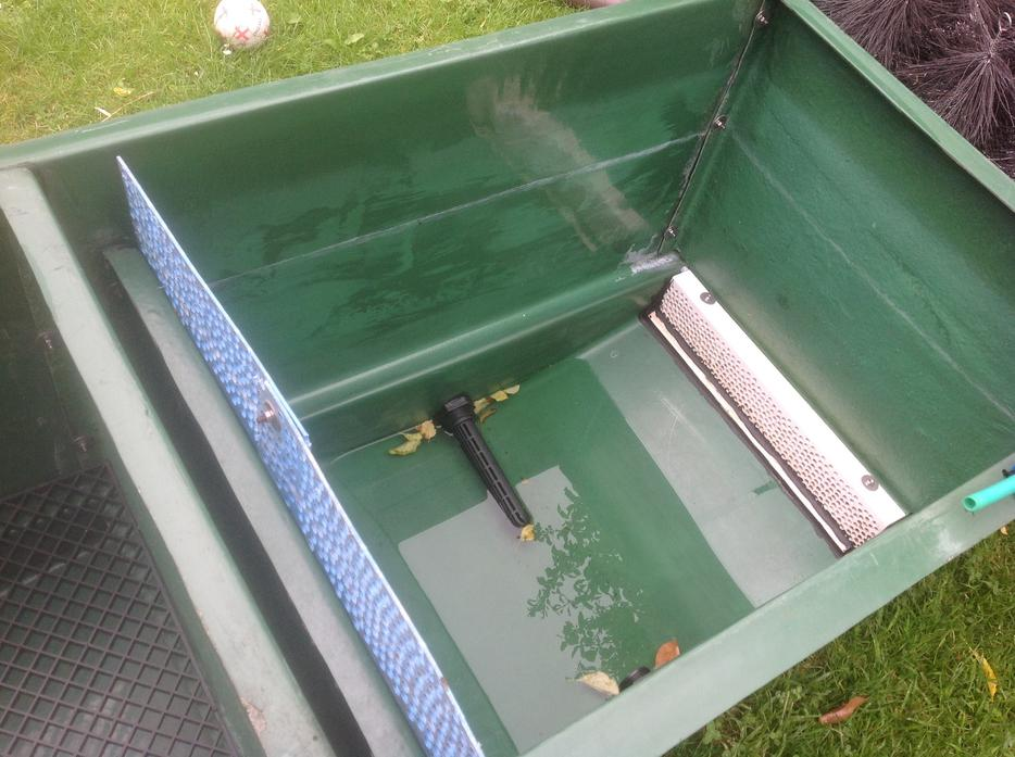 Large koi multi bay pond filter bloxwich sandwell for Gravity fed pond filter setup