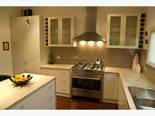 A E KITCHENS AND BATHROOMS