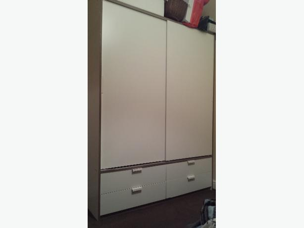 Ikea Schreibtisch Jonas Neupreis ~ Ikea Trysil wardrobe Excellent condition Two sliding doors with two
